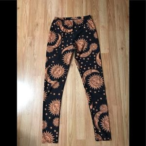 Sun and stars leggings
